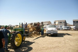 Thrashing at the Greeley Old Time Farm Show